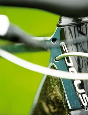 Internal gear and brake lines help create a clean look