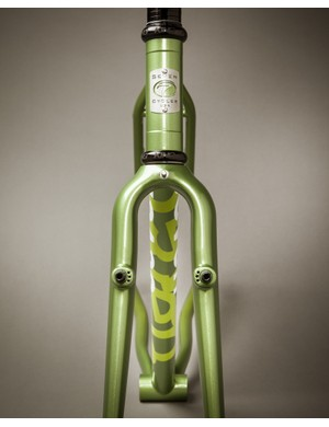 The CXR comes in steel or titanium, with either V or disc brakes