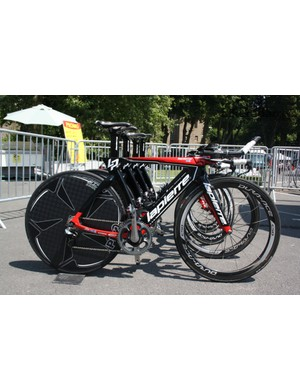 A fleet of new Lapierre Aerostorms has a number of innovations over the previous model…
