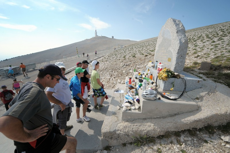 Many fans went to visit the memorial of Tom Simpson, who died while racing up the mountain in 1967