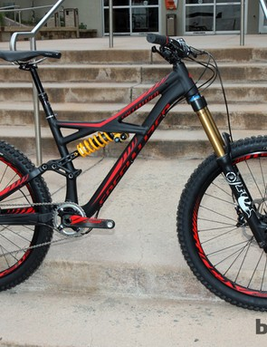 The Enduro Expert EVO (shown here) and Demo 8 will be offered with a new shock developed for Specialized by Öhlins