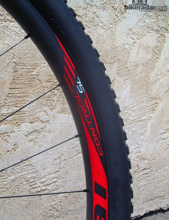Claimed weight on the latest Roval Control SL carbon 29er mountain bike wheels is now just 1,370g per pair