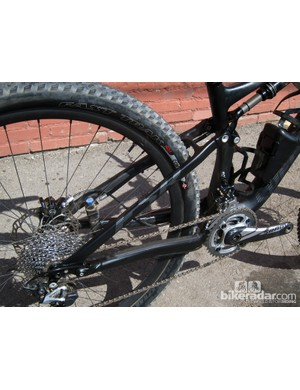 The Specialized Epic Expert Carbon's aluminum rear end adds weight relative to a carbon fiber one, but owners will likely worry less about the alloy tubes when riding in rocky terrain