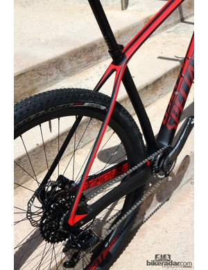 Slim seat stays on Specialized's latest Stumpjumper carbon 29er hardtail frame for 2014