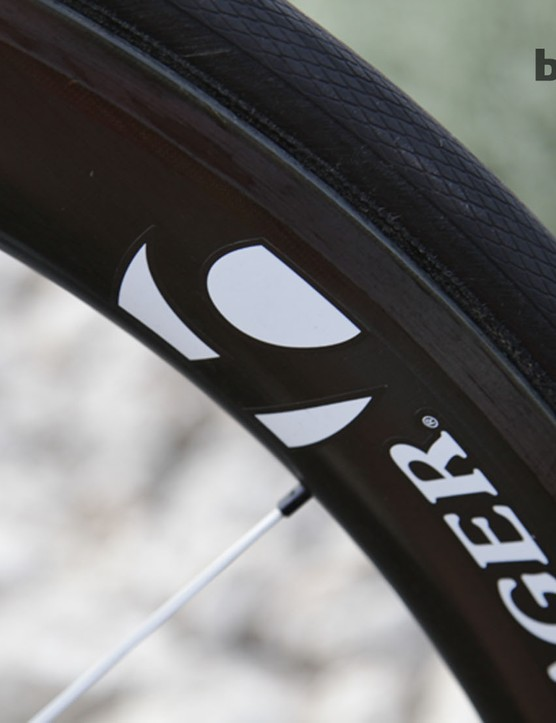 The wheel choice is the versatile Bontrager Aeolus 5 – a 50mm carbon rim