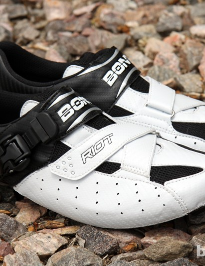 Bont's new Riot road shoes offer a fully heat moldable shape and a bathtub-style carbon composite sole for just US$150/£99