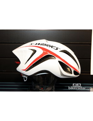 Does the Evade profile look familiar? It should, because it's nearly identical to Specialized's McLaren time trial lid