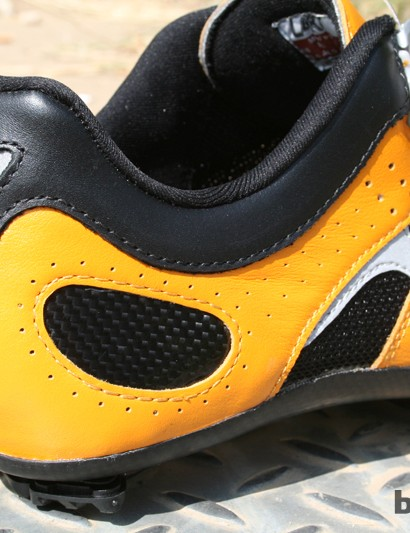 The MX331CX shoes use a carbon heel cup