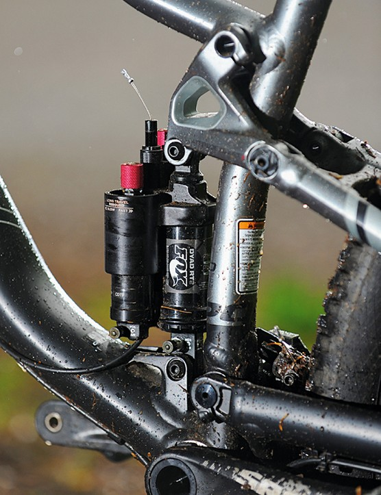 The Fox Dyad RT2 shock lets you flick between the 130mm and 80mm travel modes