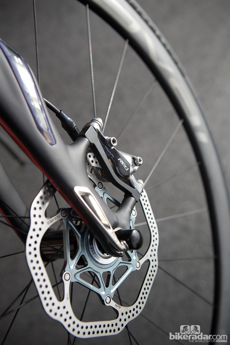 SRAM's range-topping Red disc brakes adorn the S-Works Roubaix SL4