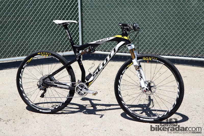 Geoff Kabush (Scott-3Rox) has been spending much of this season on a full-suspension Scott Spark 900 Premium