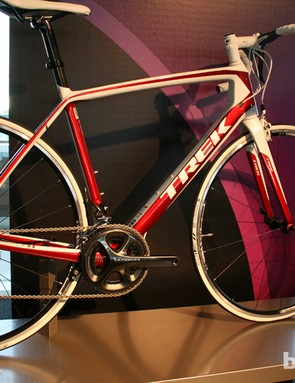 The Trek Madone 5.2 is a race-ready road bike constructed from 500 series OCLV carbon and designed with aerodynamics in mind. The stiff E2 head tube is backed up with a BB90 bottom bracket, for efficient power transfer