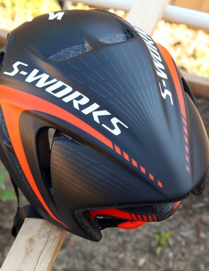 The lack of vents across the back of the S-Works Evade is definitely noticeable when you're slogging up steeper climbs. Without speed to help move air through the helmet, hot air doesn't have an easy exit off the top of your head