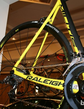 The Cole Rollen Elite wheel sits behind the curved chainstays on the Militis Race (SRAM Force 22-speed, £2,750). Partnerships with Cole and Schwalbe trickle down throughout the Militis range