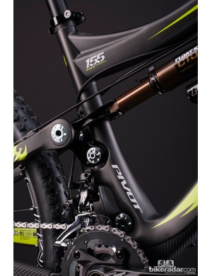 Like all Pivot full-suspension models, the Mach 6 uses dw-link suspension