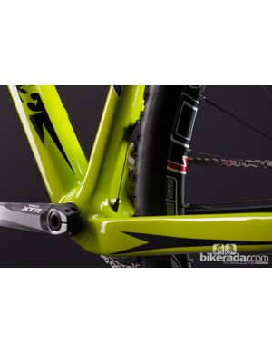 The LES 27.5 uses a BB92 bottom bracket houses in a massive bottom bracket/chainstay assembly