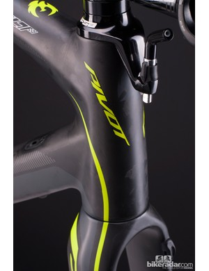 Like the BH RX Team CX, the Vault can be configured for rim or disc brake use