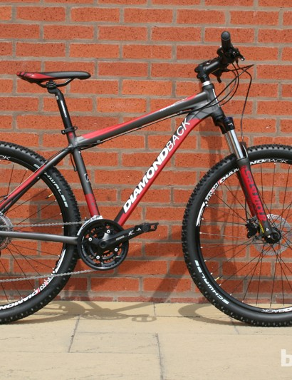 Diamondback are right on trend introducing 650b (27.5in) bikes into the 2014 range – including this £575 Response