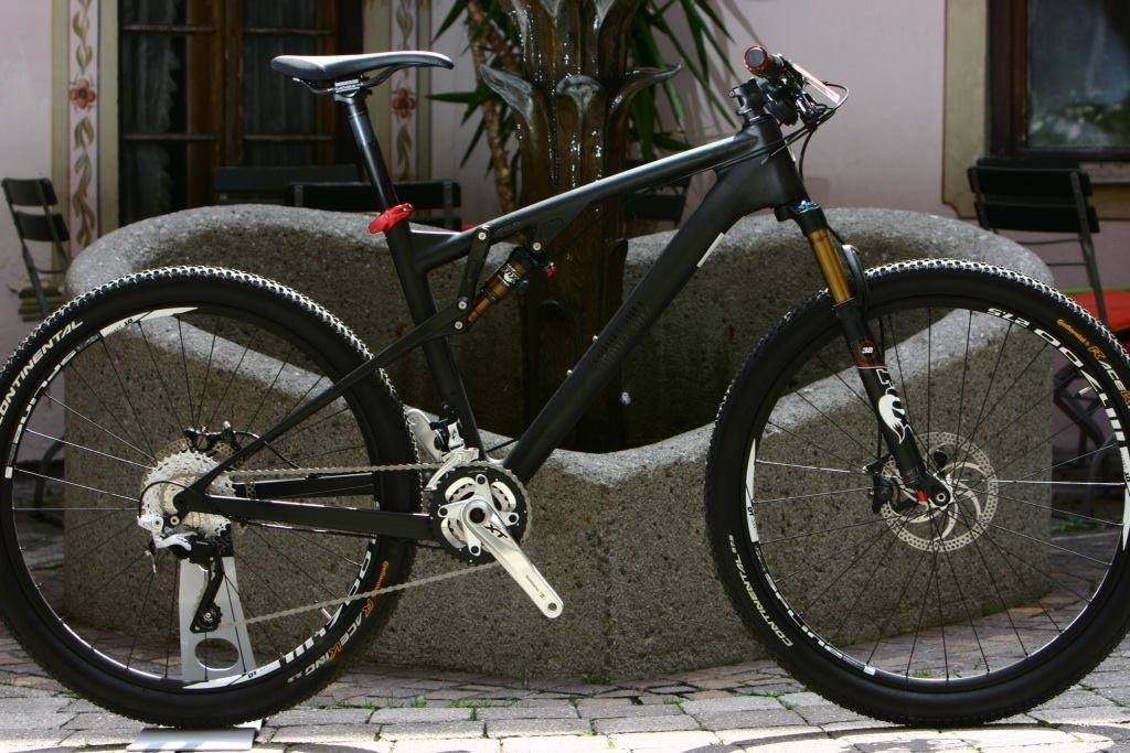 The Rose Thrill Hill is a 115mm carbon frameset designed around 27.5in (650b) wheels