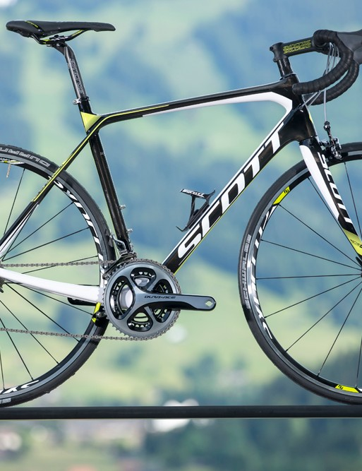 The colours of the Scott Solace 10 are in line with those of the Orica GreenEDGE professional road team that Scott sponsor