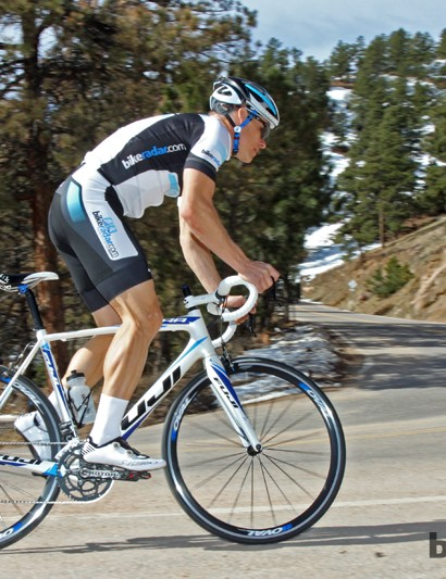 The Altamira 2.1 frameset and componentry are excellent but the heavy wheels weigh the bike down, literally and figuratively. We also swapped in a trusty Aliante saddle in place of the Oval model that was included