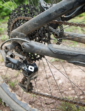 The 2014 Specialized FSR Expert Carbon EVO 29 comes equipped with SRAM's new X01 drivetrain