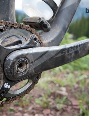 Unlike the XX1 group, X01 uses a common 104mm bolt circle diameter. The Stumpjumper FSR Expert Carbon EVO 29 comes with a 32T X01 chainring