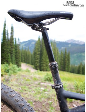 Specialized essentially flipped the orientation of the internals in the new Command Post IR; the remote cable now exits from the bottom of the post and the air spring is located in the upper, sliding portion of the seatpost