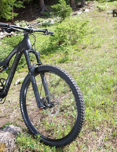 While the spec changes, the frame design is carried over from the 2013 Stumpjumper FSR