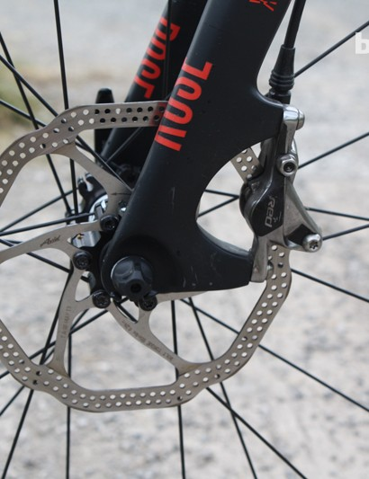 SRAM Red 22 hydraulic disc brake with 160mm rotor on the Rose Xeon DX