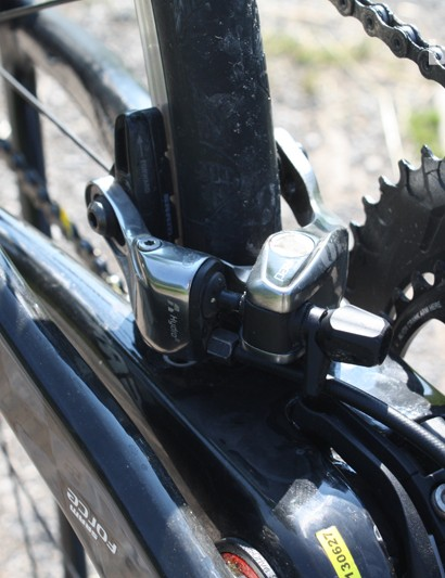 The direct brake mount at the rear of the Xeon Team CGF allows for Shimano callipers along with these Hydro R hydraulic rim models from SRAM