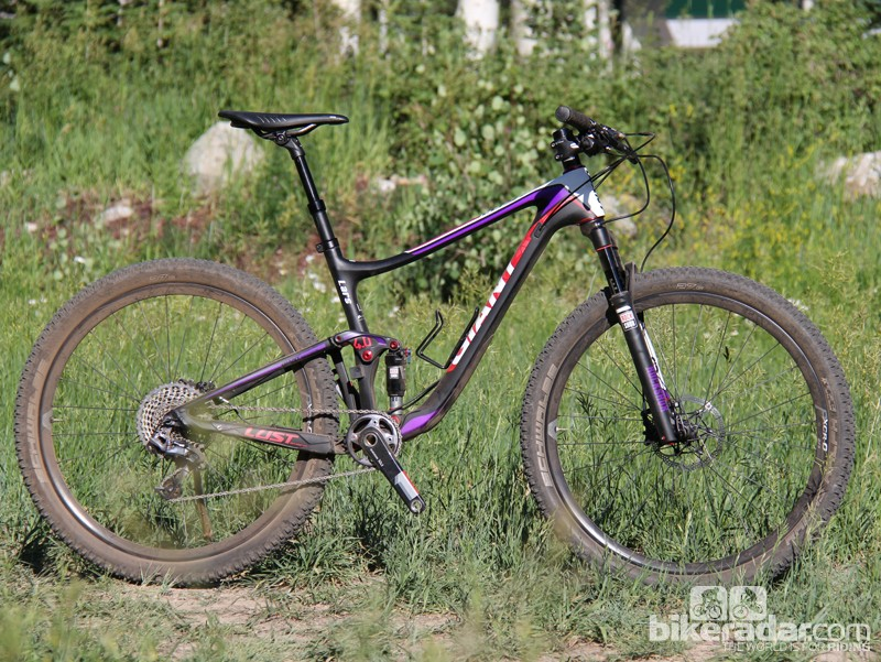 The 2014 Liv/giant Lust Advanced is an endurace race weapon for women