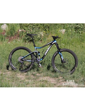 The 2014 Giant Trance Advanced 27.5 0 builds on the success of past iterations with the addition of 650b (27.5in) wheels, 140mm of front and rear travel, and slack geometry
