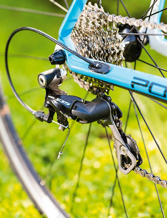 The Poggio's short-cage rear derailleur offers snappy shifts, while the 11-28T cassette gives a good spread of gears