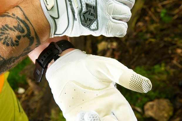 Royal Racing Turbulence gloves