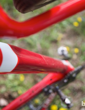 The underside of the Specialized CruX Elite Carbon Disc Rival's down tube is sculpted to aid grip during hike-a-bike course sections
