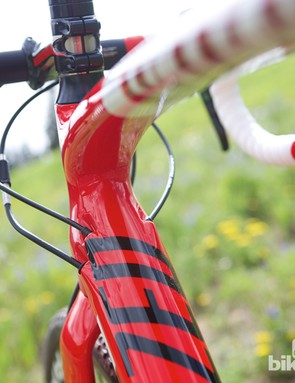 Every cable on the Specialized CruX Elite is internally routed, keeping them out of the way of dirt