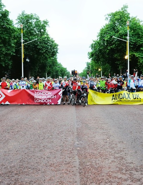 Audax UK's flagship 1,400km London Edinburgh London event kicked off on the Mall on 28 July 2013, at 5.30am
