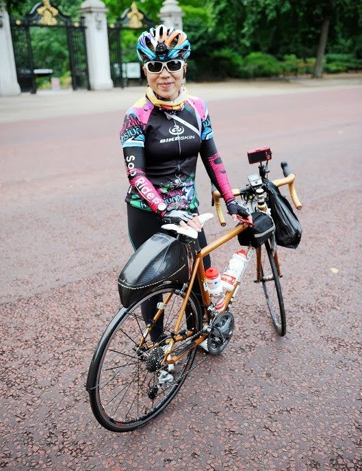 Cameras, a GPS and the biggest aero saddle bag we've ever seen on this lady's bike