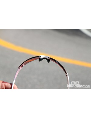 This is the medium nosepiece setting on the Smith PivLock V2 Max sunglasses