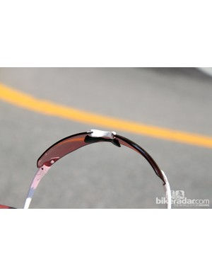 This is the large nosepiece setting on the Smith PivLock V2 Max sunglasses