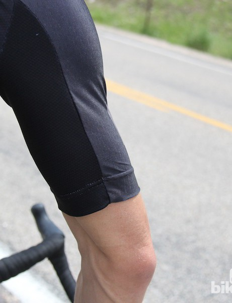 The raglan sleeve of the Capo SC-12 jersey features a generous length but isn't billowy or binding, thanks to a stretchy HydroDrop top material and an absence of grippers at the hems
