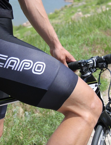 40-gauge compression Lycra is used on the main front and rear panels of the Capo SC-12 jersey, with a lighter option used on the sublimated sides and cuffs
