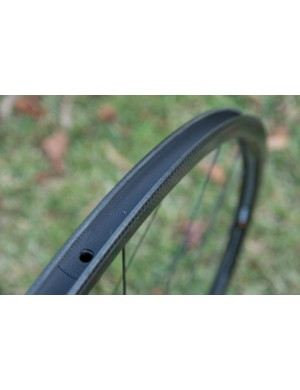 Rim tape is included but brings the total Racing Light XLR wheelset weight up to 1,450g