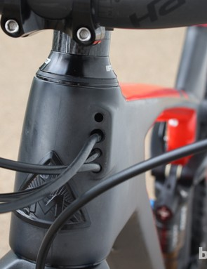 The Marin Mount Vision uses internal routing for the rear brake, front and rear derailleurs, and dropper seatpost