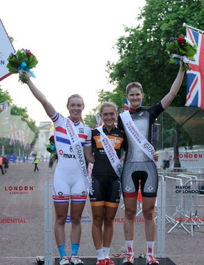 The winner of the Prudential RideLondon Grand Prix, Laura Trott (centre), flanked by Hannah Barnes (left, second place) and Loren Rowney (third place)