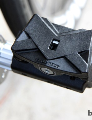 Garmin doesn't hide the fact that the Vector pedals are made by Exustar (aside from the spindles and electronics). The partnership looks to be a smart one, too, as Exustar offers a broad range of options including on- and off-road models that can be adapted for the power measuring hardware. The Vector pedals are based on Exustar's E-PR3 model