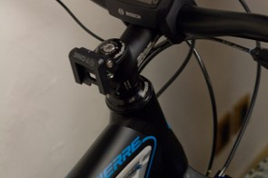 The Lapierre Overvolt's display unit offers all the usual cycle computer functions, and also indicates how much assistance is being used and what the remaining battery life is