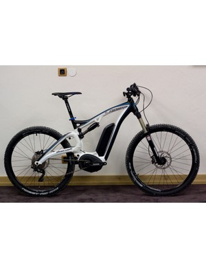 The Lapierre Overvolt, a 140mm full-suspension mountain bike that also happens to house the latest Bosch electric motor. Could this open mountain biking up to a whole new market?