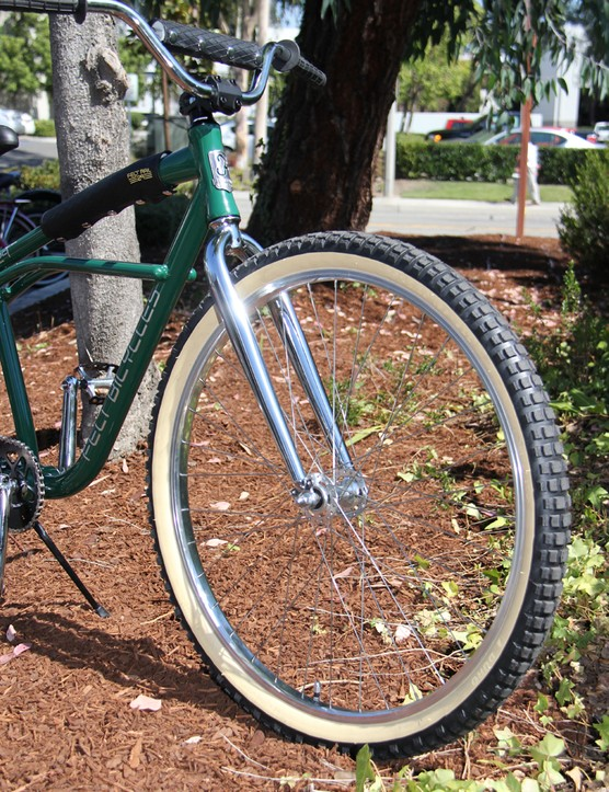Skin walls and knobby 29in tires on Felt's klunker-inspired cruiser bike